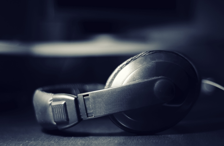 Headphones wallpaper found on wallpapercave.com